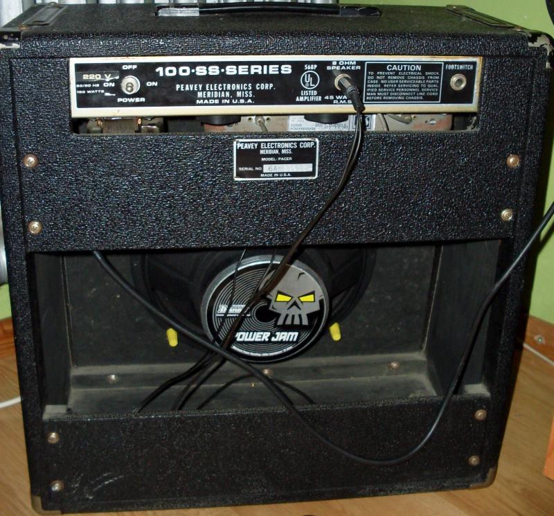 schemat /Galeria/Peavey_Pacer 100-SS-Series Pacer glosnik 200wat Ibanez Power Jam.jpg