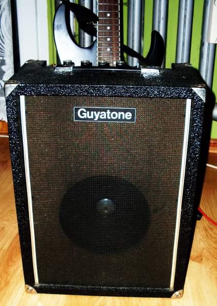 schemat /aukcje/Combo-Guyatone Guyatone-380-front-8cali.jpg
