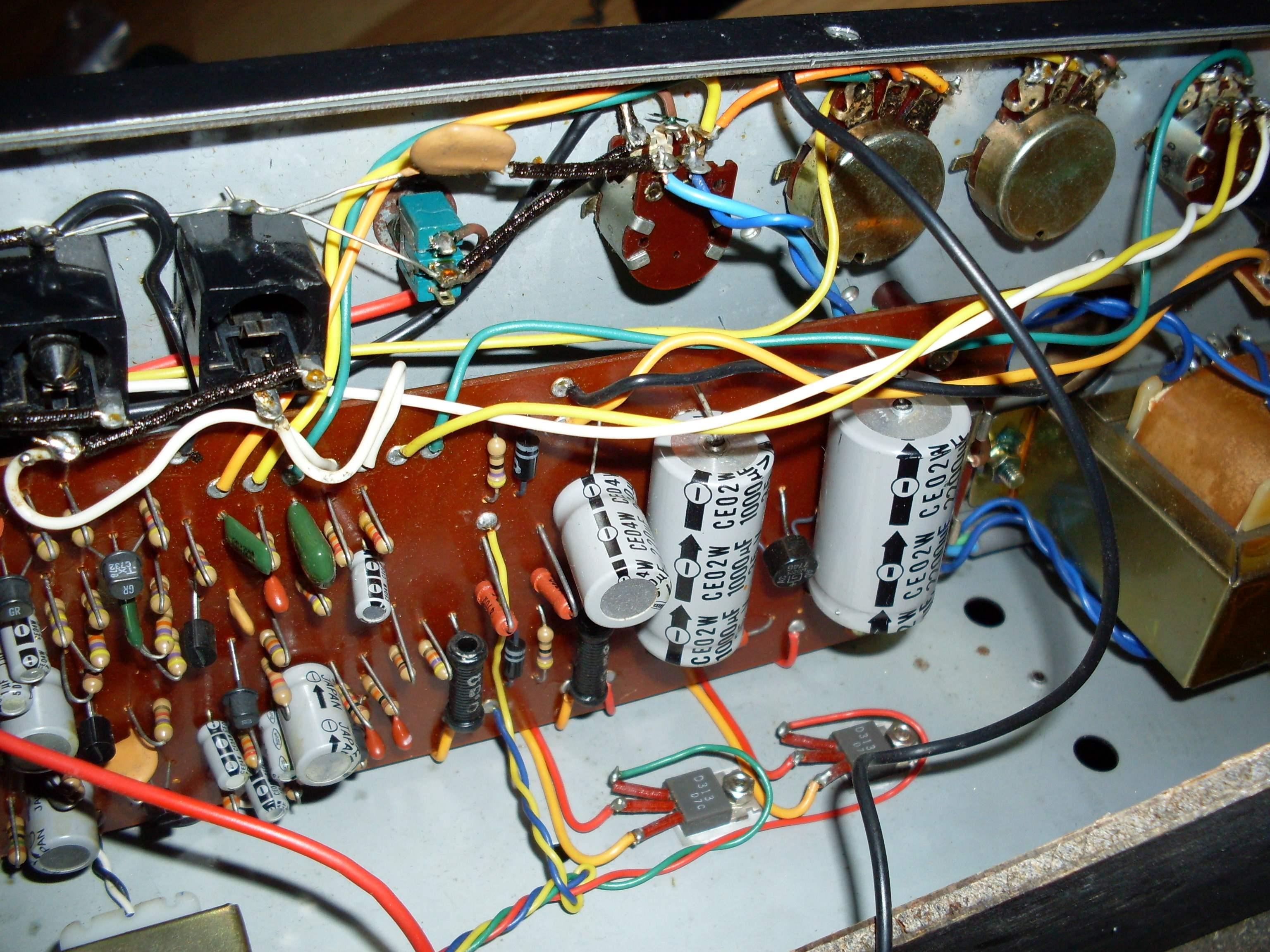 schemat /aukcje/Combo-Guyatone Guyatone-380-front-electronic-pcb.jpg